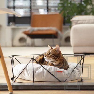Beeztees Корзина для кошек с подушкой Kipu